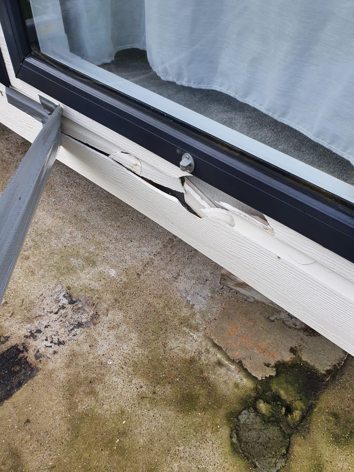 Decking installation  completion of snagging issues